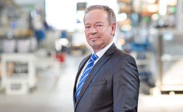 Walter Hacker, RÜBIG Aluminium, Geschäftsleitung